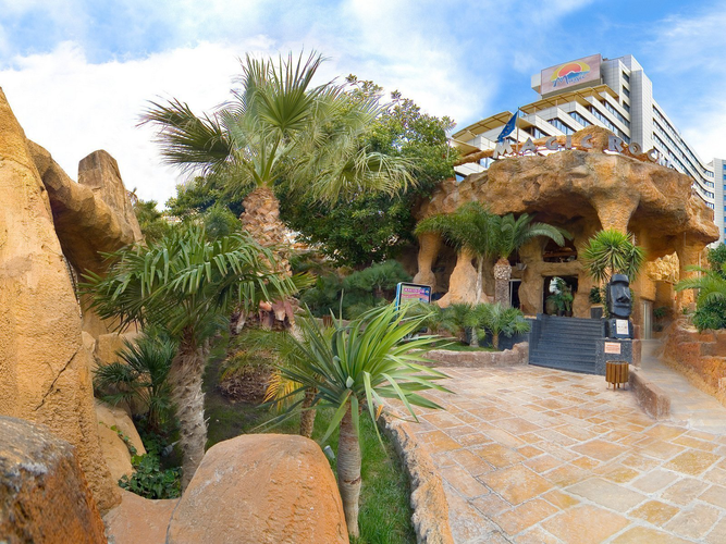 Facade magic rock gardens hotel benidorm